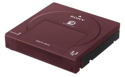 Đĩa quang dung lượng 3.300 GB, tuổi thọ 100 năm vừa ra đời, bạn sẽ lưu gì trong đó?