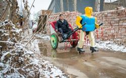 """Đến thăm người nông dân dành 30 năm cuộc đời cho """"gia đình robot"""""""