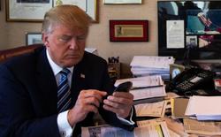 Tổng thống Donald Trump có thể gửi tin nhắn bất kỳ cho toàn bộ người dân Mỹ mà không thể bị chặn