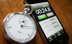 Rảnh đến mức đợi 416 ngày để xem đồng hồ đếm trên iPod sẽ ra sao khi vượt quá 9.999 giờ và đây là điều đã xảy ra