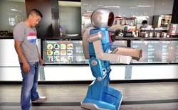 Nghĩ rằng robot có thể thay thế con người, nhà hàng này đã phạm sai lầm lớn