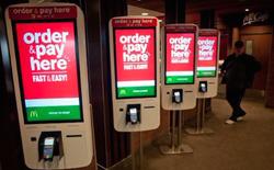 Đây là lời đáp trả của McDonald's khi chính phủ Mỹ tăng lương tối thiểu: Thay thế nhân viên bằng robot