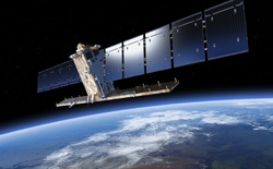 Vật thể bay rộng vài milimet vừa lao vào một vệ tinh với tốc độ 40.000 km/h