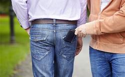 Đừng bao giờ nhét ví vào túi quần sau, tác hại khôn lường