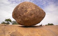 Bí ẩn không ai giải thích được quanh viên đá 250 tấn chống lại mọi quy tắc vật lý