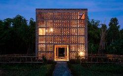 Tham quan ngôi nhà độc đáo của nghệ nhân gốm Việt được báo nước ngoài hết lời khen ngợi