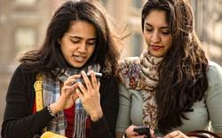 """Ứng dụng hẹn hò Tinder tung quảng cáo đánh thẳng vào quan niệm """"cha mẹ đặt đâu con ngồi đấy"""""""