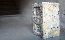 Một công ty đã tìm ra cách biến nhựa rác thải thành gạch để xây nhà, bảo vệ môi trường