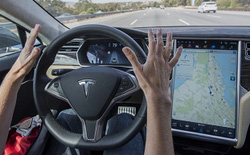 Xem hacker Trung Quốc trổ tài hack xe Tesla, bắt nó phải phanh ở khoảng cách xa tới 20km