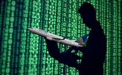Sinh viên tài năng thoát tù tội, bỏ túi phần thưởng giá trị 300.000 USD ngay sau khi hack website trường đối thủ