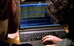 Chỉ cần biết số điện thoại hacker có thể theo dõi mọi thứ trên điện thoại của bạn
