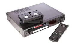Đầu băng VCR sẽ bị khai tử trong tháng này, vĩnh biệt tượng đài giải trí một thời của thế hệ 8X