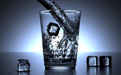 Y học Trung Quốc cảnh báo rằng nhiều người trong chúng ta đang uống nước sai cách