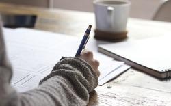Nếu muốn học hiệu quả, hãy viết ra chứ đừng gõ trên máy nữa