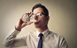 Không phải ai cũng cần uống tới 8 cốc nước mỗi ngày, nghiên cứu mới sẽ chỉ cho bạn khi nào nên dừng lại