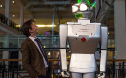21 công việc mới mẻ trong thời kỳ robot - con người hòa thuận chung sống
