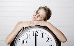 Lệch múi giờ hay nhịp sinh học vì làm việc đêm? Đừng cố ép cơ thể thiếu ngủ mà hãy làm theo cách sau để về thói quen cũ