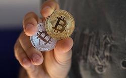 Tin sốc: Sàn giao dịch bitcoin đầu tiên của Trung Quốc chính thức bị đóng cửa, bitcoin rớt thảm hại xuống còn gần 3.500 USD