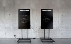 Xem hai con robot trò chuyện với nhau thông qua Google Dịch, vì một con dùng tiếng Ý và một con dùng tiếng Thụy Điển