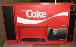 Chuyện chưa kể về cỗ máy Breakmate - một trong những thất bại thảm hại nhất của Coca Cola