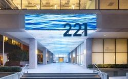 Bằng đèn LED, công ty này đã biến những tòa nhà cao ốc cũ kỹ trở thành tuyệt tác nghệ thuật hiện đại