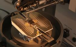 Ra mắt bản thiết kế nguyên mẫu của chiếc máy tính lượng tử khổng lồ đầu tiên trên thế giới, có khả năng to bằng cả sân bóng đá