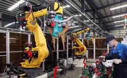 Lương trung bình của công nhân tăng gấp đôi, các nhà máy Trung Quốc thay con người bằng robot tự động