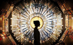 Nhà vật lý học người Anh dùng máy gia tốc hạt lớn để chứng minh ma KHÔNG HỀ tồn tại