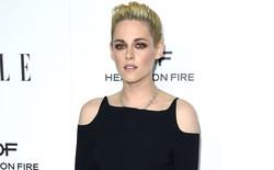 """Bạn không đọc nhầm: ngôi sao """"Chạng Vạng"""" Kristen Stewart vừa công bố báo cáo khoa học về trí tuệ nhân tạo"""