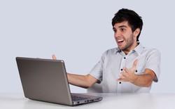 Tùy biến giao diện Windows xưa rồi, giờ người thay giao diện cả Facebook, Google cho nó mới lạ