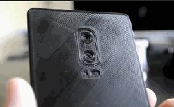 """Lộ ảnh hình nộm Galaxy Note 8: Cụm camera kép dọc, nhưng quan trọng nhất là cảm biến vân tay """"chìm"""" dưới màn hình"""