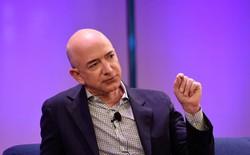 Tỷ phú giàu thứ 2 thế giới Jeff Bezos giải thích bài học kinh doanh lớn lẽ ra có thể cứu rỗi United Airlines khỏi scandal khổng lồ