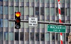 """Nới rộng thời gian """"ân hạn"""" đèn đỏ từ 0,1 lên 0,3 giây, thành phố Chicago mất 17 triệu USD ngân sách"""