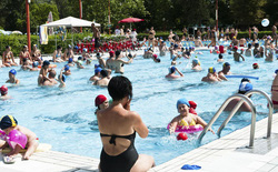 Nghiên cứu: Trong một bể bơi công cộng có đến 75 lít nước tiểu