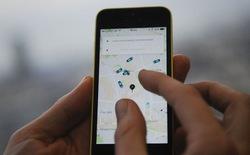 Ứng dụng đặt xe trong nước cạnh tranh với Uber và Grab ra sao?