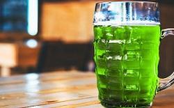 Các nhà khoa học uống bia xanh ăn mừng sau khi tìm ra cách làm phẩm màu có nguồn gốc thiên nhiên