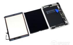 """iFixit """"mổ bụng"""" iPad mới của Apple: toàn sử dụng linh kiện của iPad Air 1 và Air 2"""