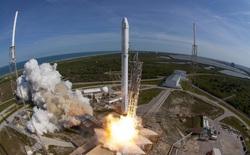 SpaceX vừa hạ cánh thành công tên lửa Falcon 9 thứ 13 trong năm 2017