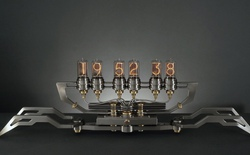 Nixie Machine II: Cỗ máy đếm thời gian vừa hoài cổ vừa viễn tưởng, trị giá 30.000 USD