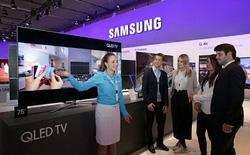 Kết thúc năm 2017, Samsung vẫn giữ ngôi vị nhà sản xuất TV hàng đầu thế giới