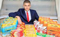 Anh chàng chưa học hết cấp 2 này kiếm 1,3 tỷ đồng mỗi năm nhờ bán đồ ăn vặt trong... nhà vệ sinh tại trường học