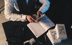 Các ứng dụng miễn phí thu về lợi nhuận hàng trăm triệu USD bằng cách nào?