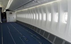 Hãng hàng không giá rẻ ở Colombia muốn hành khách đứng trên máy bay để giảm giá vé