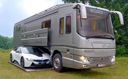 Performance S: Ô tô kiêm khách sạn 5 sao, có cả gara chứa siêu xe, trị giá 1,7 triệu USD