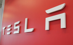 Vị thế của Tesla đối với các nhà sản xuất ô tô hiện tại cũng giống như vị thế của Apple đối với Nokia vào khoảng năm 2007