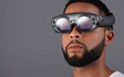 Đây là mẫu kính thực tế ảo đầu tiên của Magic Leap, vẫn còn khá to và phải cải tiến nhiều