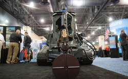 Chiêm ngưỡng chiếc xe bọc thép chuyên dụng để chống khủng bố của đặc nhiệm SWAT