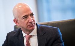 Jeff Bezos vượt qua Bill Gates trở thành người giàu nhất thế giới