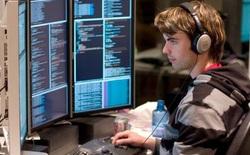 Tin vui cho sinh viên IT: Học xong không lo thiếu việc, lương có thể đạt trên 2.000 USD/tháng