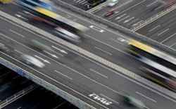 Các nước trên thế giới đang ứng phó với ùn tắc giao thông như thế nào?